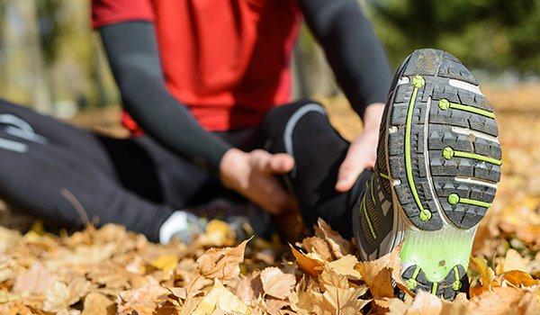 Почему часто сводит ноги судорогой в икрах