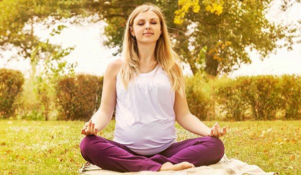 Йога для беременных - комплекс упражнений, упражнения йоги для дома, 1 2 3 триместр, с картинками и видео