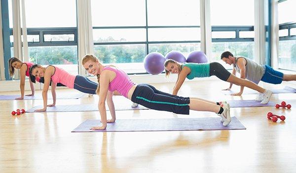 Пилатес для начинающих в домашних: упражнения и принципы