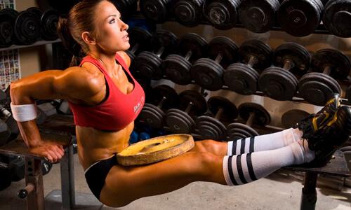самое эффективное упражнение на трицепс девушке